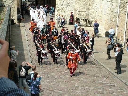 Been feeling like I need a little but more out of life lately..   Then I came across these today, I was Drum Major for the first cadet Corps of Drums to march the US Navy through the Tower of London 💂🏻♀️🥁🇬🇧🇺🇸  Ive actually been pretty lucky in life ⭐️ #tuesdayvibe