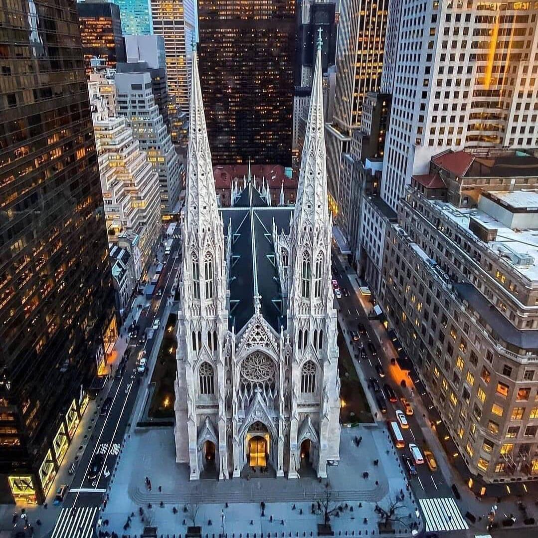 At Patrick's Cathedral, New York #skyline #view #newyork #nyc #freedom #newyorkcity #travel #usa #relax #manhattan #love #ny #photography #city #america #travelgram #travelphotography #fashion #bigapple #happy #instatravel #sanpatrick #trip
