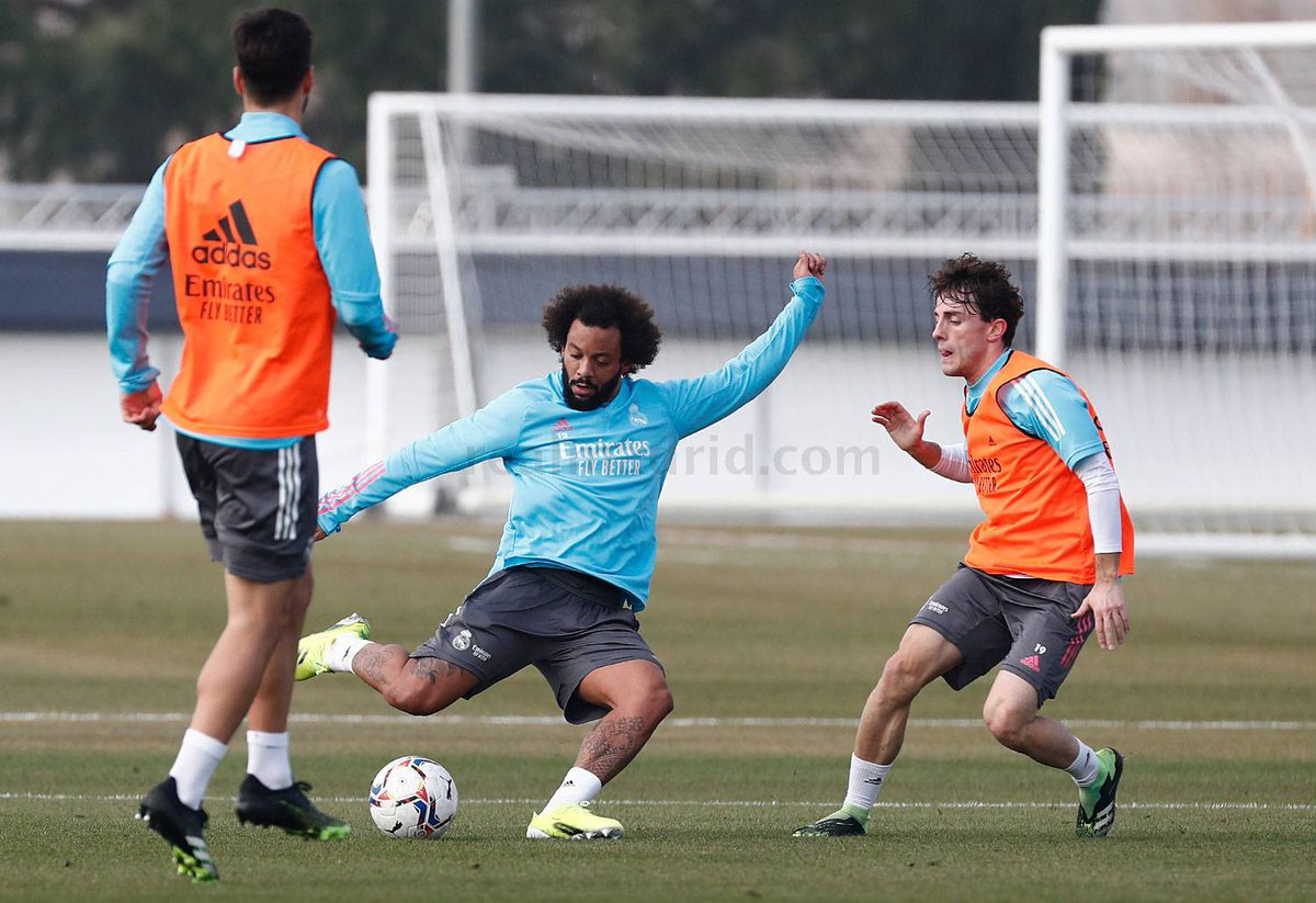 The team returned to training as they began their preparations for the Saturday's clash against Levante. The players worked on control, dribbling and pressing drills and played a range of games on reduced-size pitches. #HalaMadrid