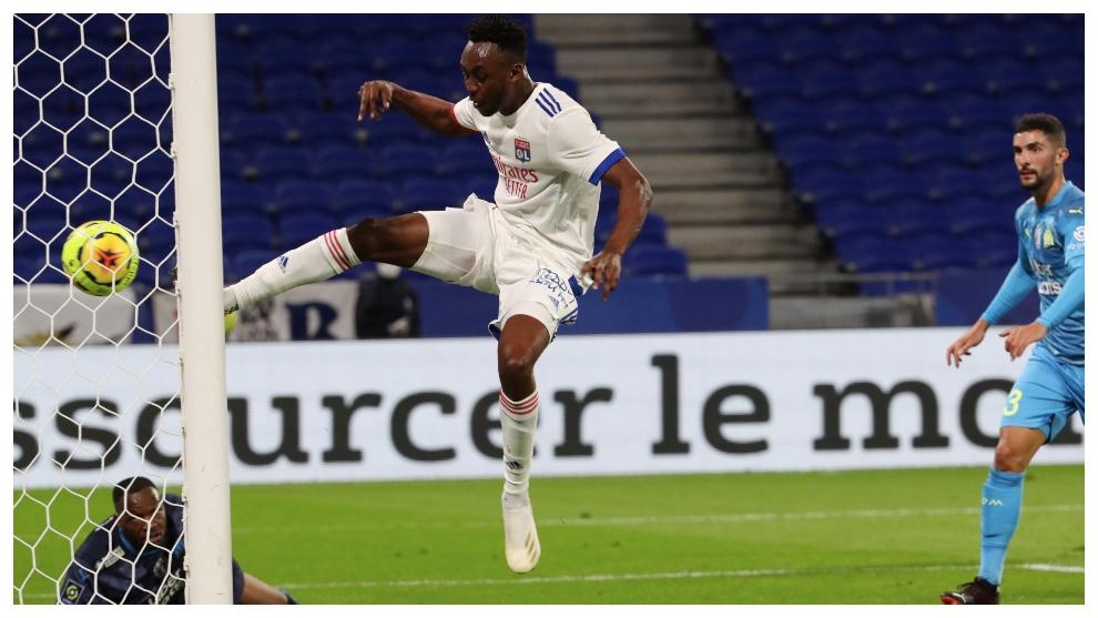 """Kadewere, el fenómeno del Lyon bendecido por Benzema: """"Jugar juntos sería un sueño""""  @arubio_marca te acerca su historia"""