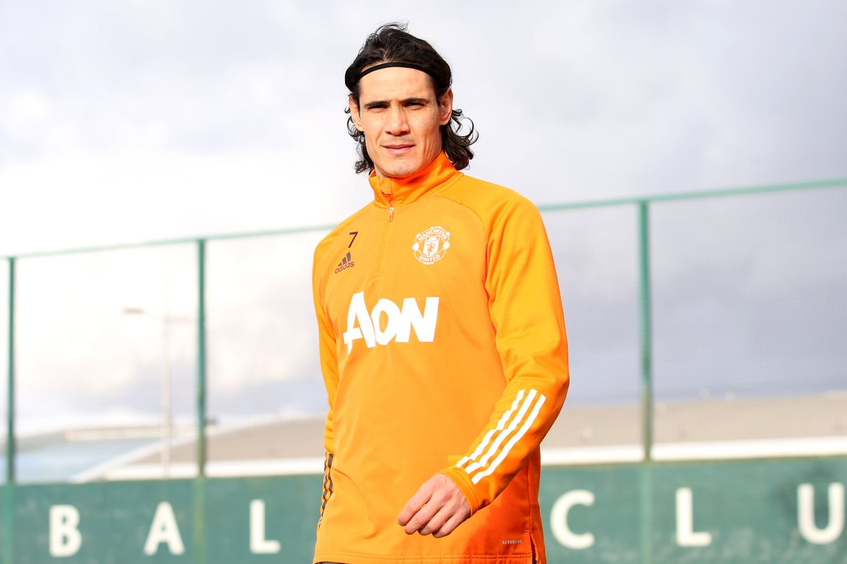 "💬 Ole on @ECavaniOfficial: ""His experience and attitude have given us a lesson, every one of us.  ""His reactions, work rate and threat in the box, and the humility of coming in every day and doing his best.""  #MUFC #MUNSHU"