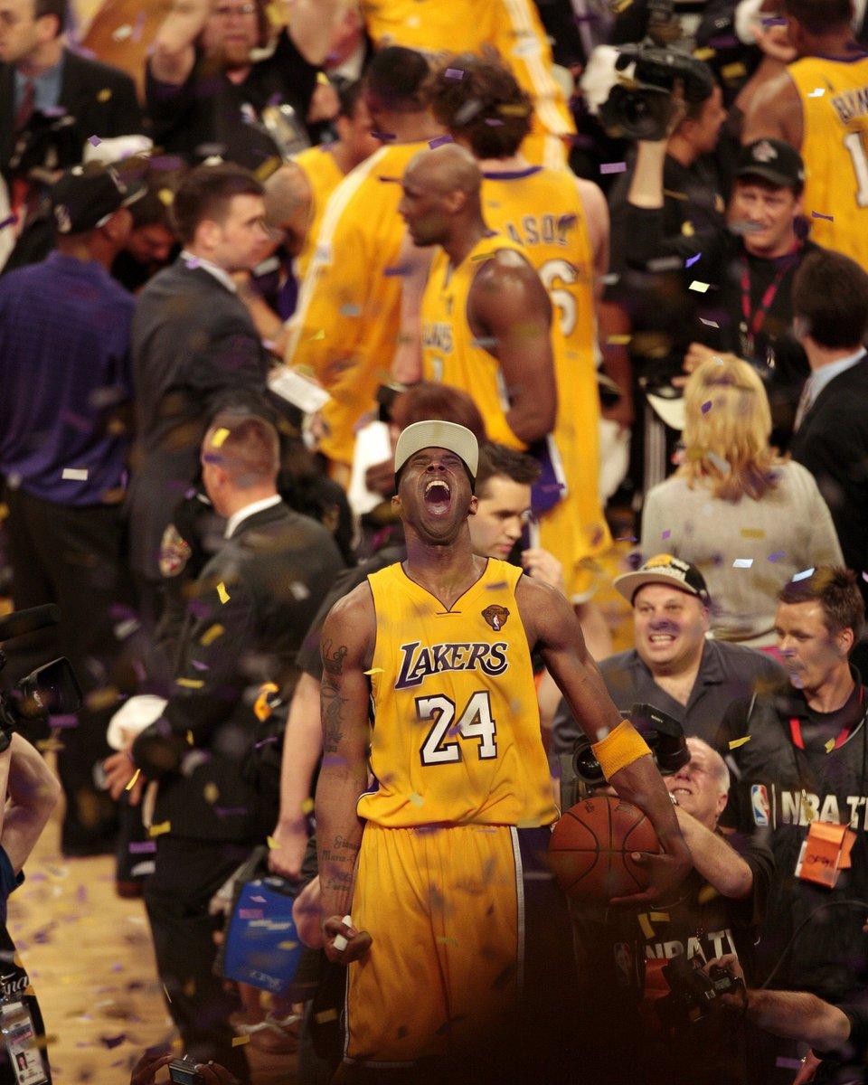 🐍♾🏀  ➡️ Kobe Bryant tiene:  - Tiene más partidos de 40+ PTS que Lebron y Kevin Durant COMBINADOS - Tiene más partidos de 50+ PTS que Lebron, Steph Curry y Kevin Durant COMBINADOS - Tiene más partidos de 60+ PTS que Lebron James y Michael Jordan COMBINADOS  #MambaForever