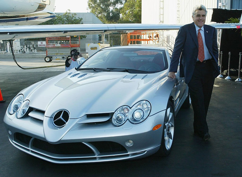 Hey Jay Leno, can I borrow your  Mercedes-Benz SLR McLaren for a week? 😬  #Celebrity #Celebrity_D2 #celeb #cars #carsofinstagram #tuesdayvibe #TuesdayFeeling #holywood #Mercedes #MercedesBenz #McLaren