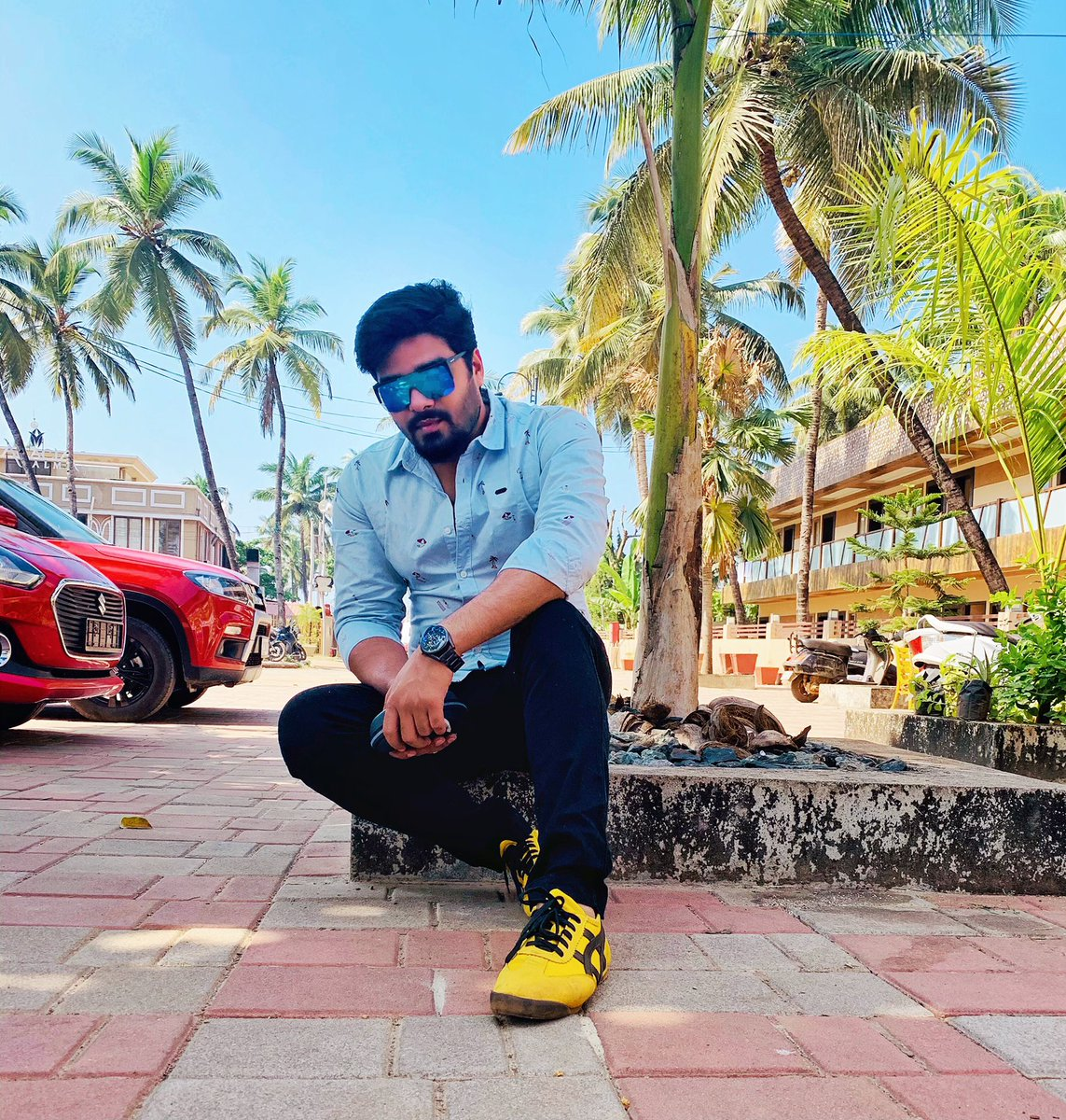 """Be yourself, there's no one better"" #travel #travelphotography #traveling #destination #life #lifestyle #colvabeach #goa #goadiaries #me #instagood #instamood #exclusive #exclusive_shots #newyear #post #dailypost #picoftheday #photooftheday #tbt #likesforlike #followforfollow"
