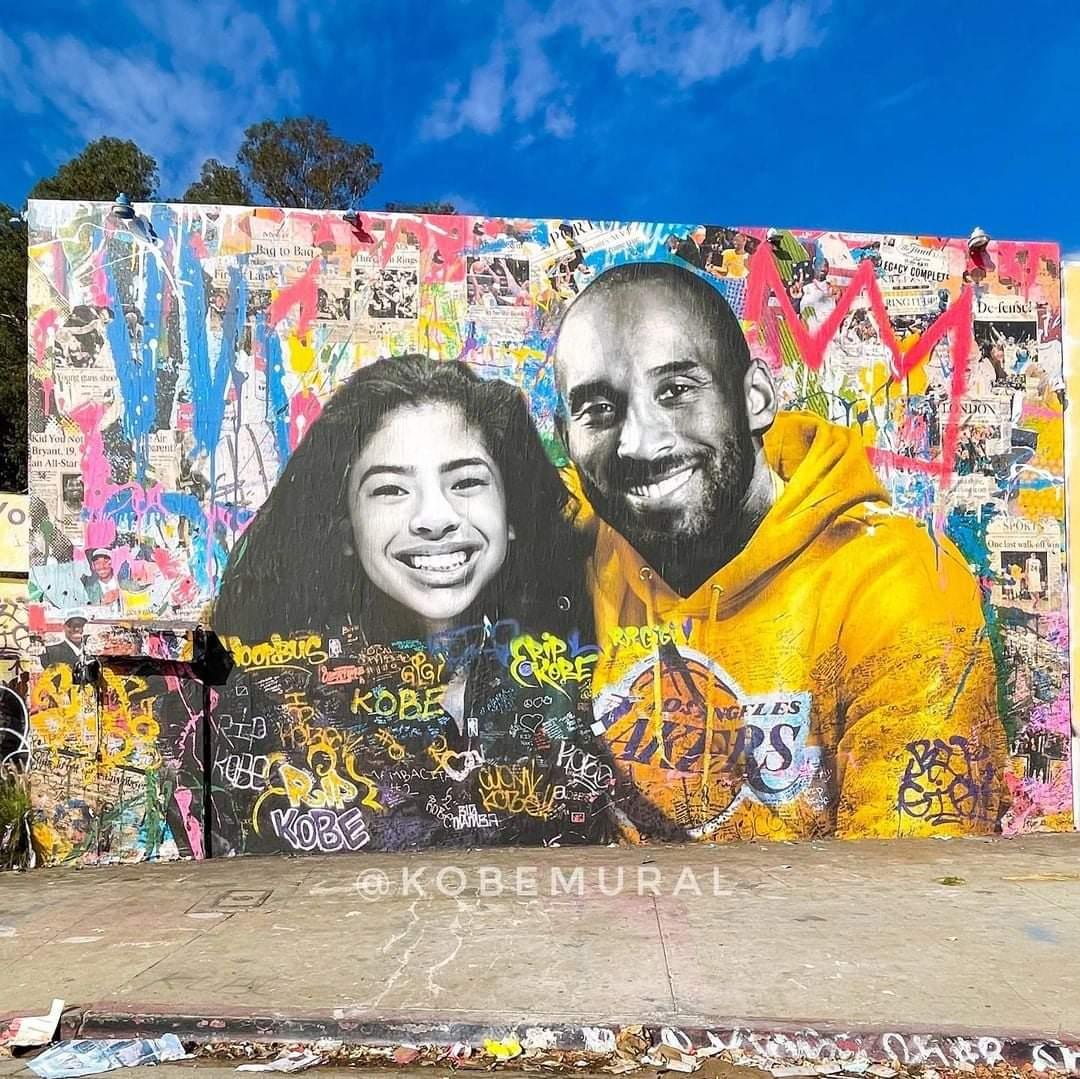 只向Kobe說一句:「一年了,在天國與Gigi過得好嗎?我生活雖艱苦,但活得很好。」  #KobeBryant #MambaForever  圖片來源:Kobe Mural IG
