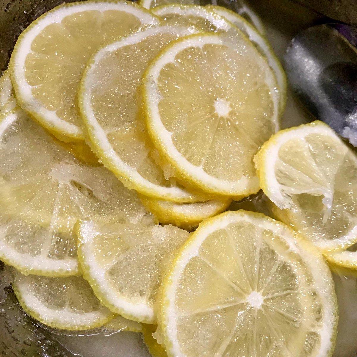 #วันนี้พี่ทำอะไรกิน  🍋🍋🍋🍋🍹 #lemonsyrup  .. .. .. .. .. .. .. .. .. .. ..  #lemon #lemonpickle #lemonade #breakfast #dessert #koreanfood #japanesefood  #いただきます #안녕하세요 #homecooking #tasty #yummy  #foodbyploy #food #foodphotography