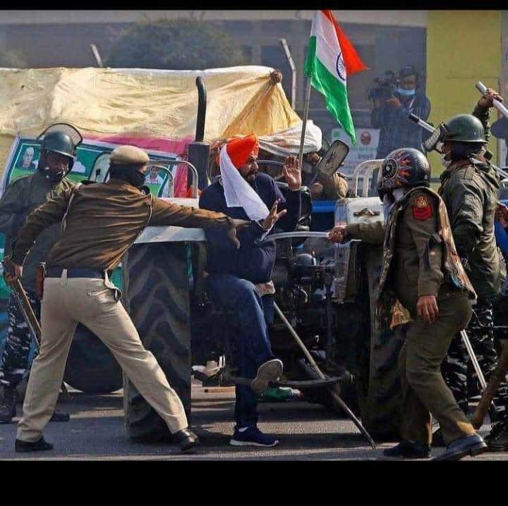 Police brutality in farmers. Why police brought swords with them. #FarmersProtest #FarmersProstests #GodiMedia #TractorParadeOn26Jan #FarmersProstests #GodiMedia #