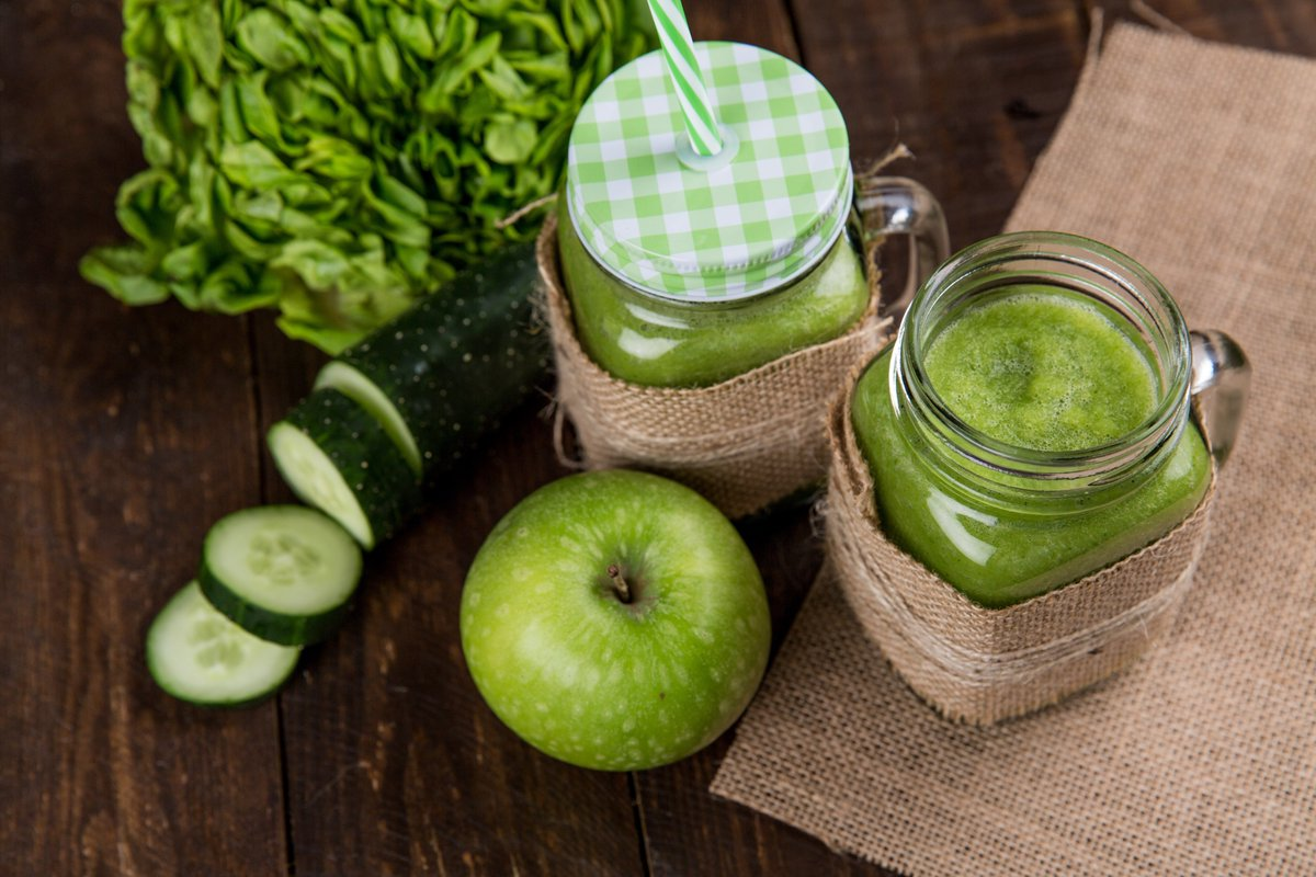 #NationalGreenJuiceDay 💚🌱🍏 Combinations for juicing are #fun 😋 You can use a color scheme of #vegetables and/or #fruits or stick with just 1 shade of the rainbow per #juice 😊 #healthy way to get lots of #immune boosting #nutrition in cup! #green #juice #yummy #Apple #Foodie