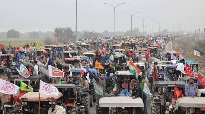 Sad to see scenes of clashes between some protesters and police in Delhi #FarmersProtest. Notable though the huge #TractorParade today and ongoing months long struggle (largest protest currently in the world) have been peaceful and inspired so many struggling for an existence.