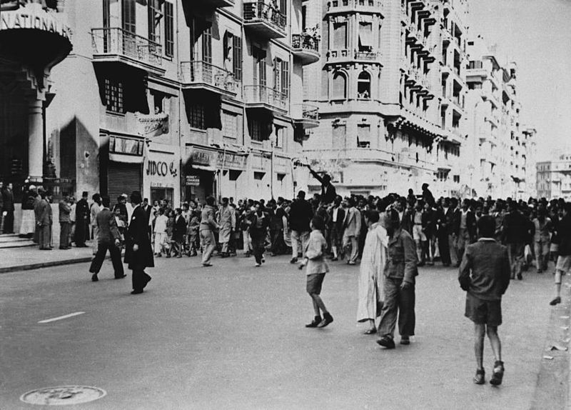 #OtD 26 Jan 1952 Cairo's Black Friday fire occurred as protests against the British killing of 50 Egyptian policemen targeted British and other European-owned businesses.