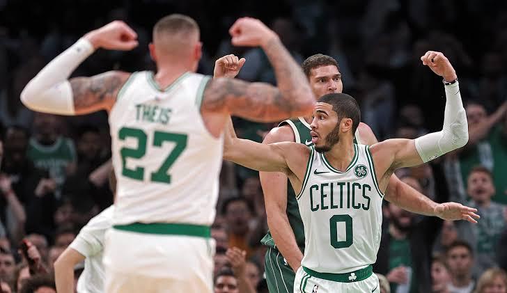 Boston's @DTheis10 looks to have found his form! 🍀  Last 4 games - 16.5 PTS, 5.3 REB, 1.3 STL, 1.3BLK & 1 3PM! 🔥  Theis should still hold a minimum of  12-team league value, even when @JayTatum0 returns! 🏀  #CELTICS #NBA #BTC #NBATwitter #NbaFantasy #Boston