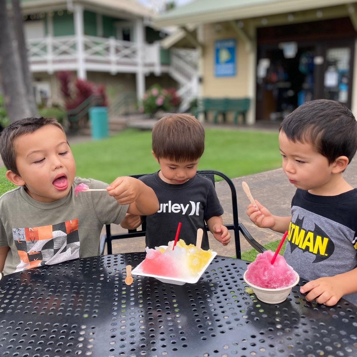 Shave ice is fun for the whole family! Thank you for this great photo @scott_ushiroda #familyfun #shaveice #familytime