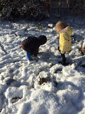 On Monday, Pre school wrapped up warm and fully embraced the snow and had a fantastic snowy day. It looked so much fun! 😀❄️ #natureisfun #snowday