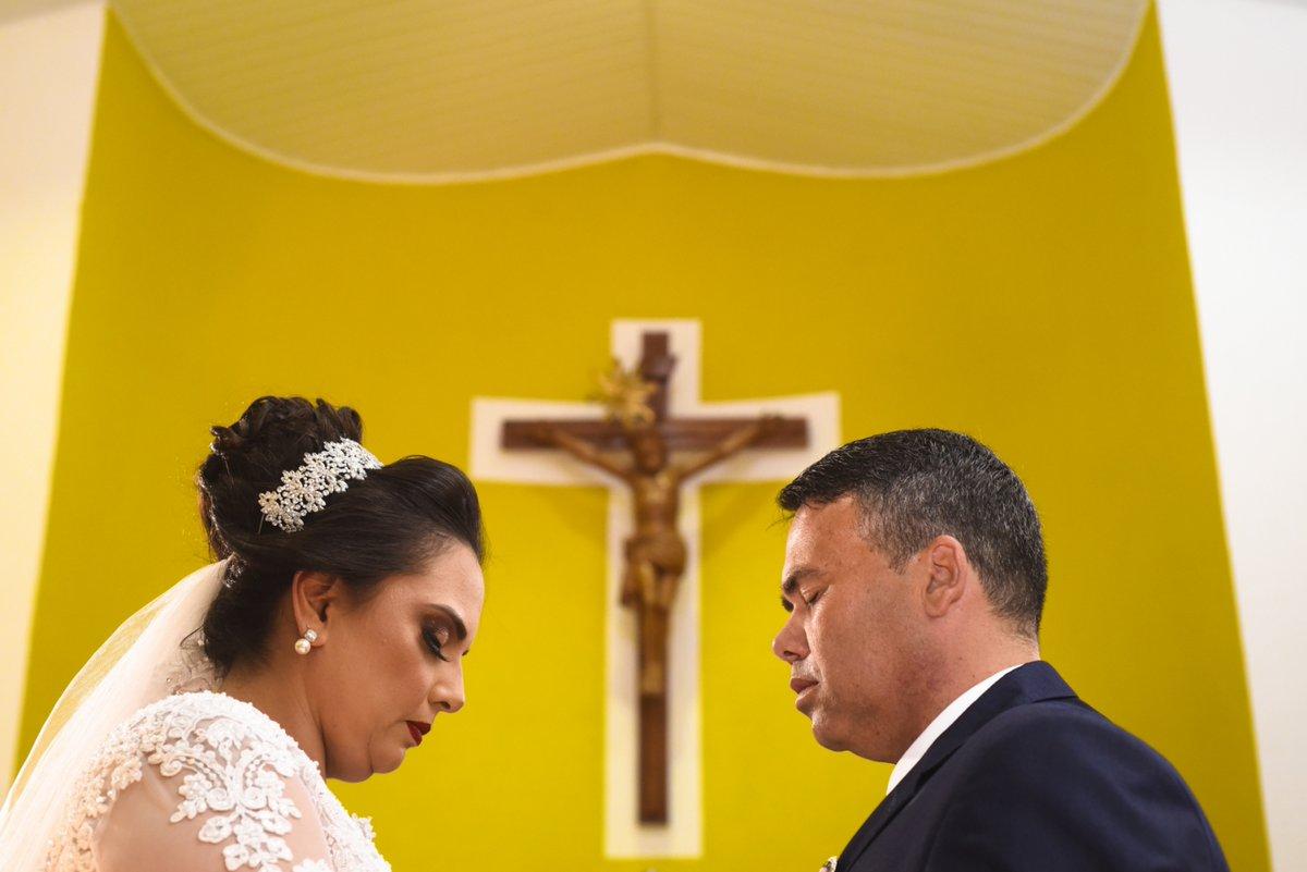 😍Conheça mais do meu trabalho em:  Fala comigo! ▶ 87 9 9972-5989    . . . Fotos para @treefotografia #casamento #noiva #vestidodenoiva #noivo #wedding #amor #noivas #weddingday #maquiagem #makeup #noivos #fotografia #voucasar