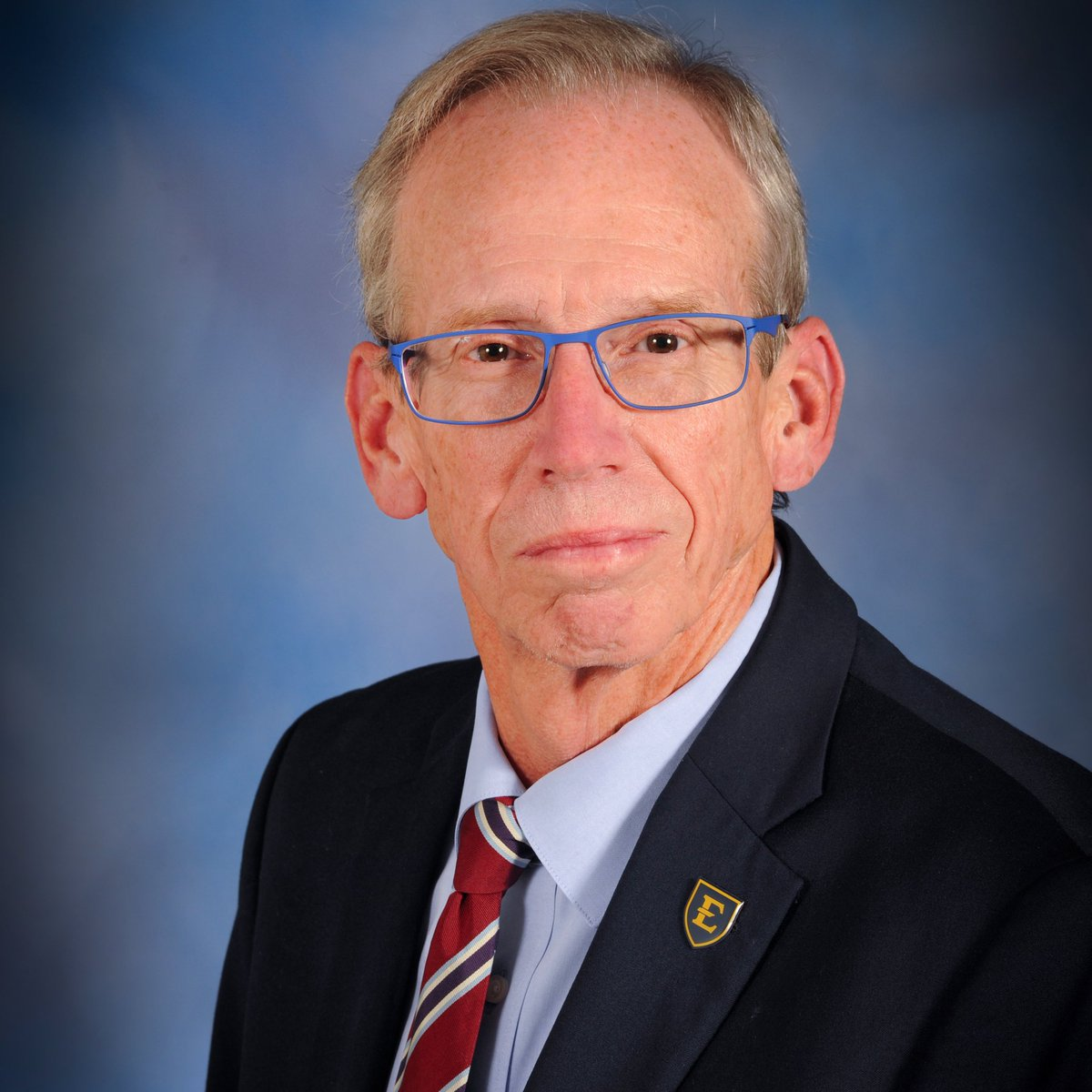 School Board Appreciation Week. 💚📚⭐️ Jim Welch was elected to the@kcs_districtBoard of Education in 2019 for his 1st 4-year term & elected president of the Board in 2020. Jim is a native of Kingsport & earned his degrees from@etsu& the@utknoxville.#appreciationpost https://t.co/2EWIXAVgli