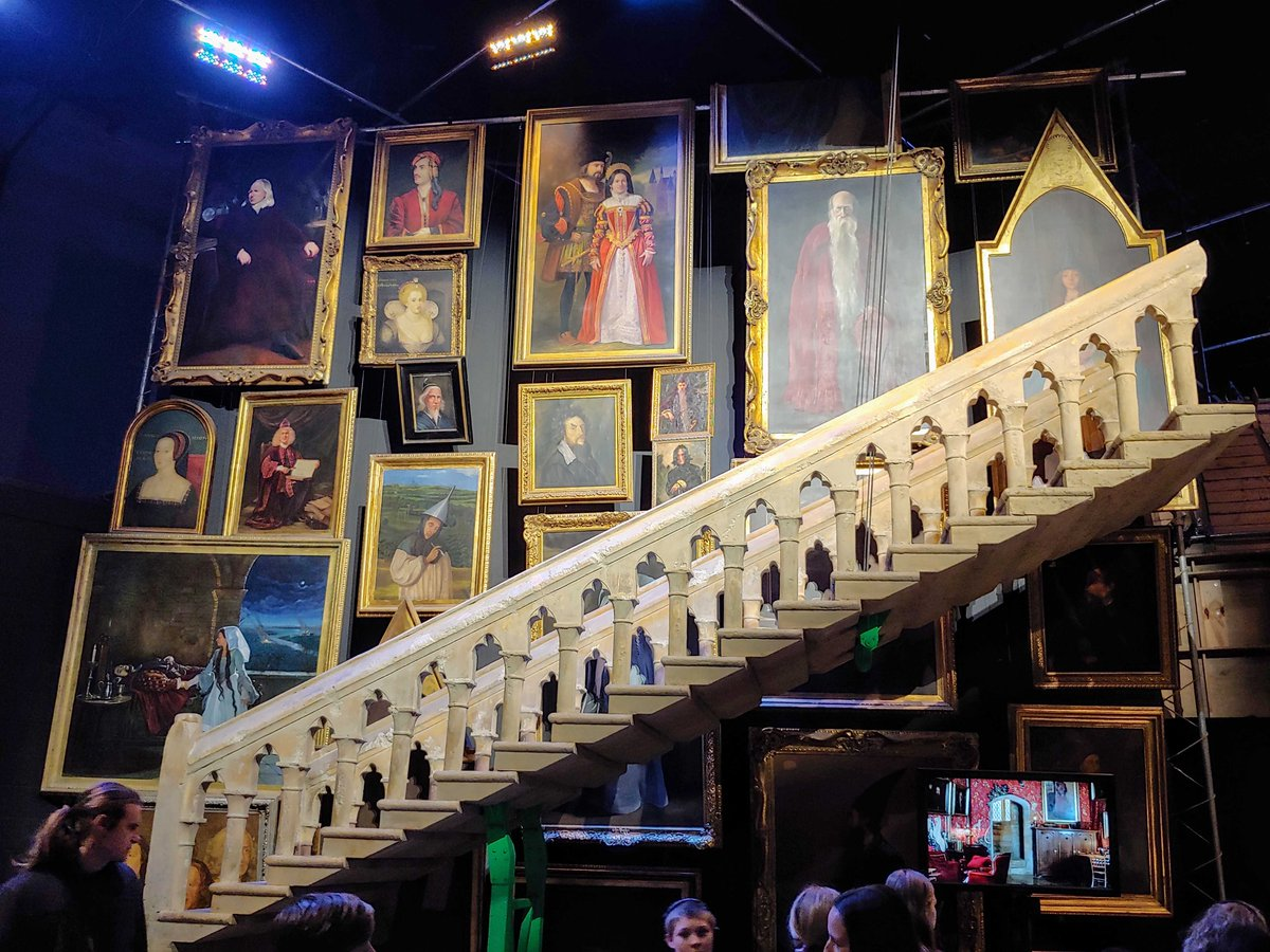 Replying to @EnergyDepDay: Great Tour: Warner Bros. Studio Tour London - The Making of Harry Potter  #Travel #TravelVideo #Vacation #TravelPics #Photography #London #harrypotter #WarnerBros #StudioTour #hogwarts #potterhead  #hp #magic #vlog