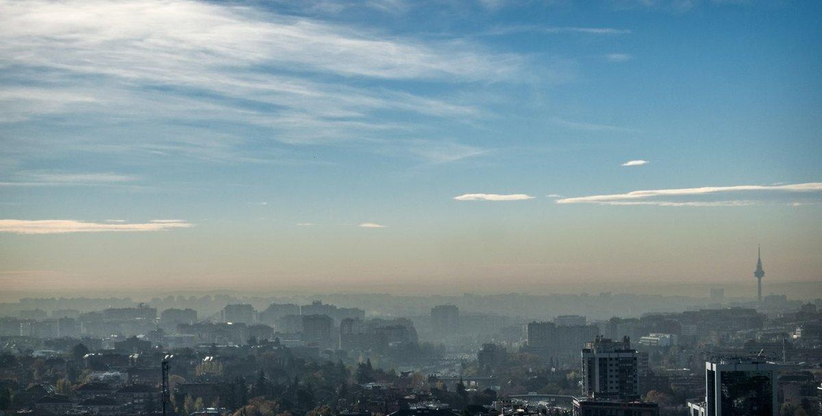 Madrid, November 2015 #smog #polution #fog #bollore #rmbl #neblina #contaminación #Madrid #España #Spain #pirulí #sky #cielo #city #ciudad #clouds #nubes #despejado #clear #sublime