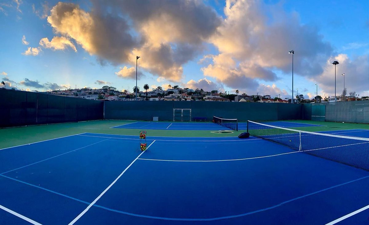 Stay warm everyone 🥶  #sandiegotenniscenter #sunset #learn #improve #compete #SDTC