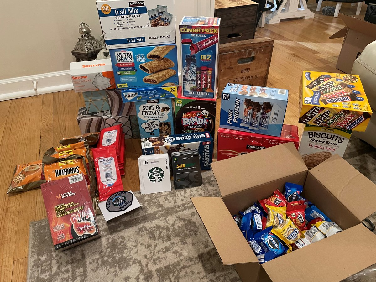 Over the past several weeks, MPD has received an extraordinary display of support from community members & law enforcement agencies across the country. Today we would like to thank @VancouverPDUSA for this generous care package for our members. We appreciate this act of kindness!