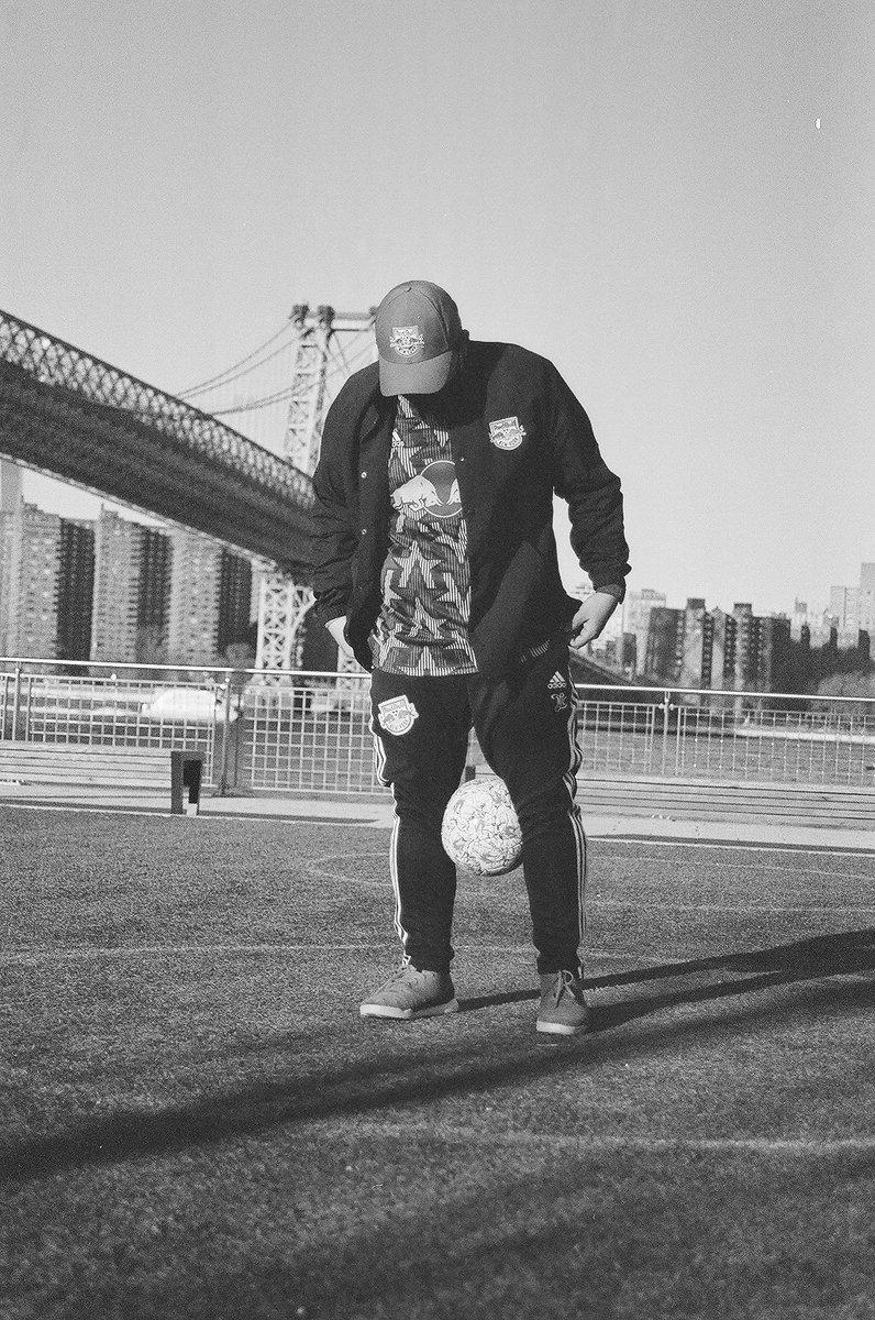 #tangoleague #tangocontest #tangosquad #readyforsport #daretocreate #heretocreate #adidasfootball #adidasnyc #newyorkredbulls #nyisred #soccer #williamsburg #darkmode #mls #adidasaffiliate  #adidas #nyrb #monta #montastreet #montasoccer #redbull #canonphotography #canonusa