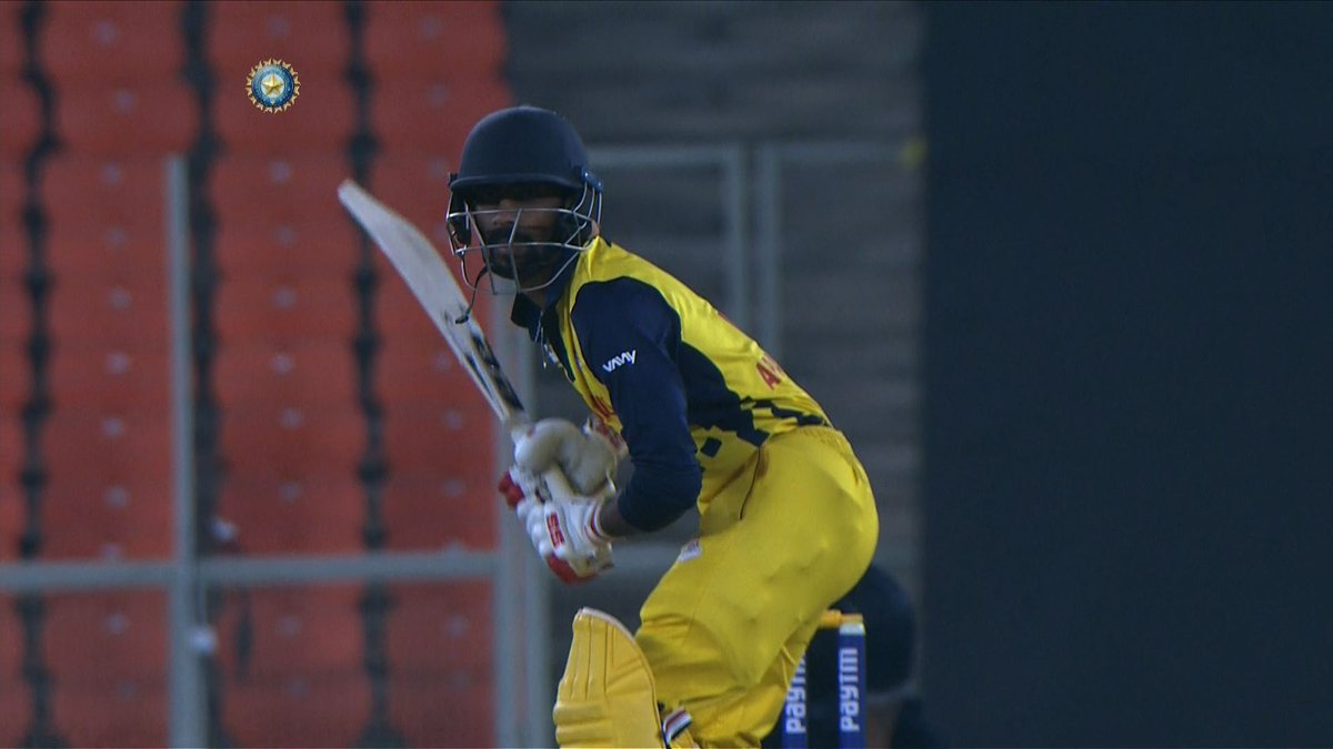 WATCH: Baba Aparajith's match-winning 52* (45) 👏👏  The right-hander played the anchor's role and guided Tamil Nadu to a win over Himachal in the quarterfinal. 👌👌#TNvHP #SyedMushtaqAliT20 #QF2   Watch his fine half-century 🎥👇