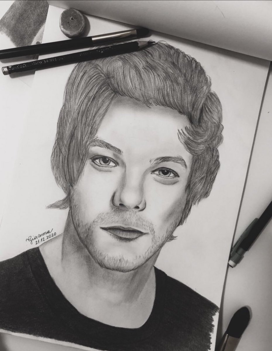 @Louis_Tomlinson Loook hereeee! I made a few weeks ago! Hope you like it! Love you!
