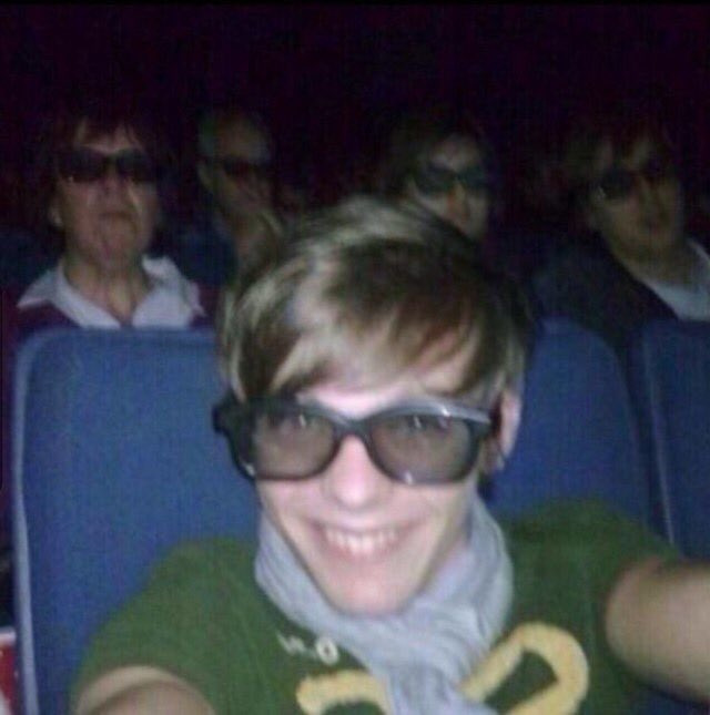 @Louis_Tomlinson Louis what was the context of this photo? 😂
