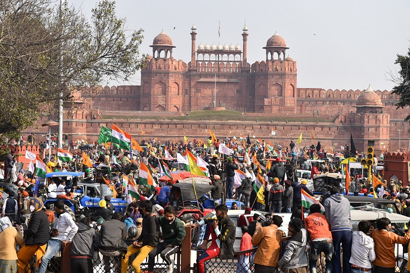 Delhi Police Rescues 300 Artists Near Red Fort As Farmers' Tractor Rally Turns Violent  #FarmersProtest   READ MORE: