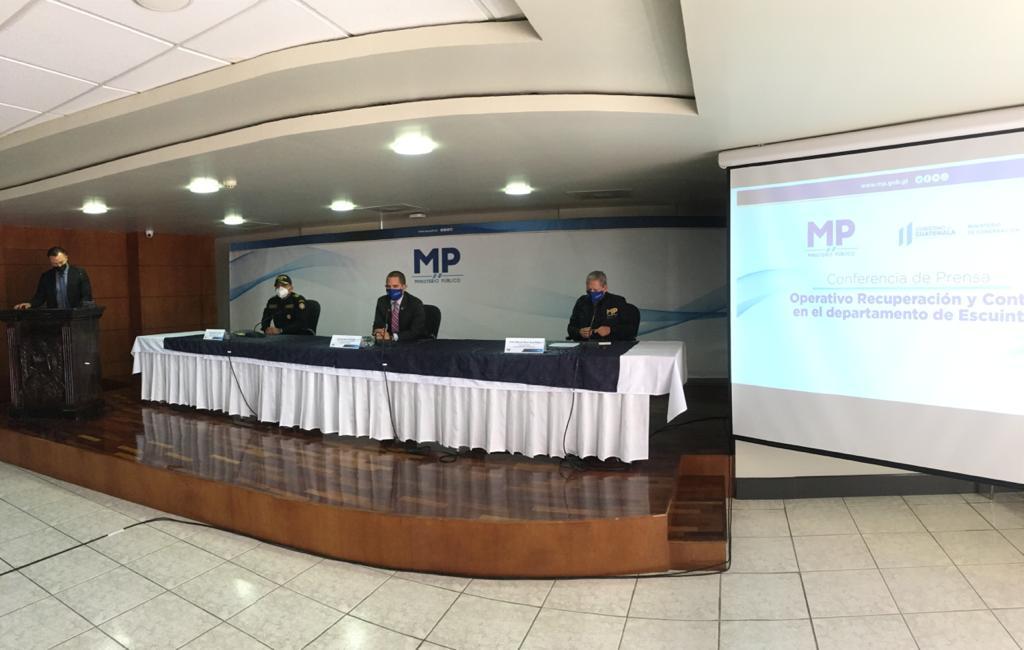 test Twitter Media - En la conferencia de prensa que se realiza este martes por parte del MP, se dará el resultado del Informe Recuperación y control de Escuintla.📸: José Orozco/LH https://t.co/CGLSTL19Ao