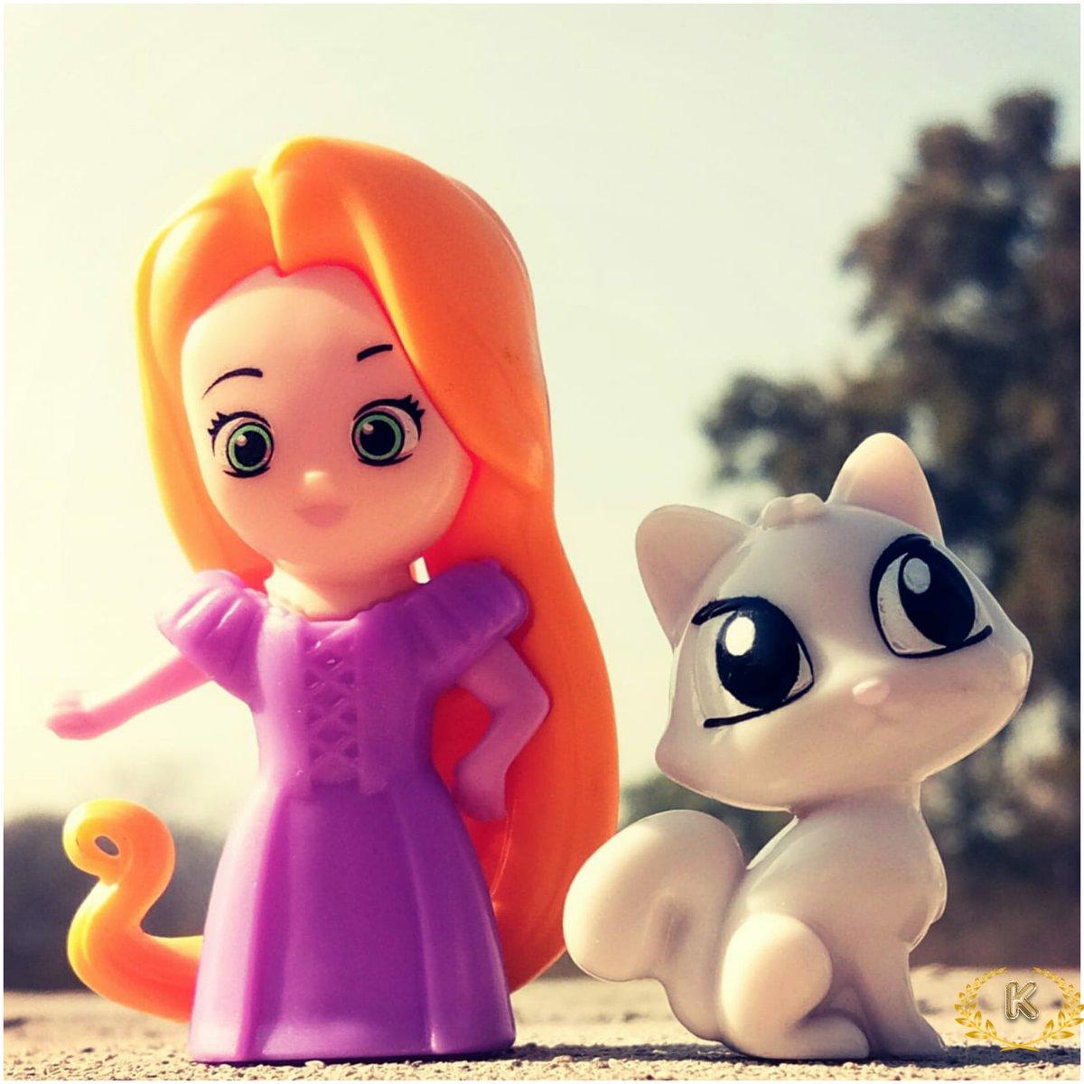 😍TOYS😍 #Kitties #Rapunzel #PicOfTheDay #click #doll #toys #photograghy #binod 🐈🐈