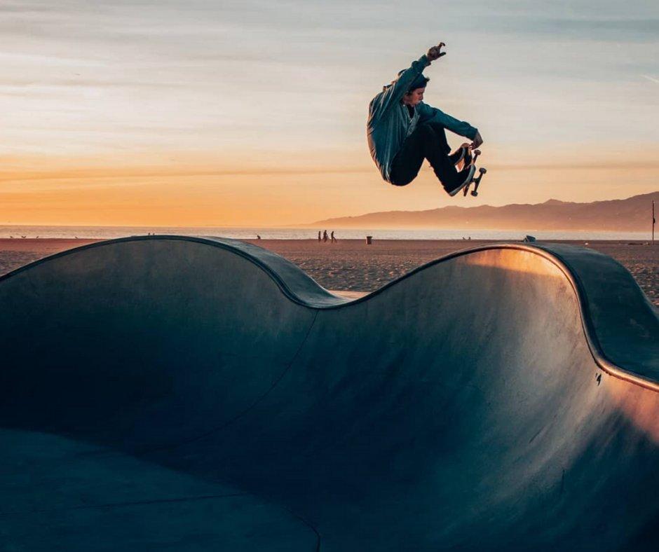 Just doing this dope thing called skateboarding!   Sick Shot @thisesportslife  #DTCburritoshack #WeAreSantaMonica #EatLocalSM #SaMoStrong #dogtowncoffee #coffee #latte #coffeelovers #sunset #santamonica #santamonicacoffee #santamonicabreakfast #coffeeshopvibes #skateboard