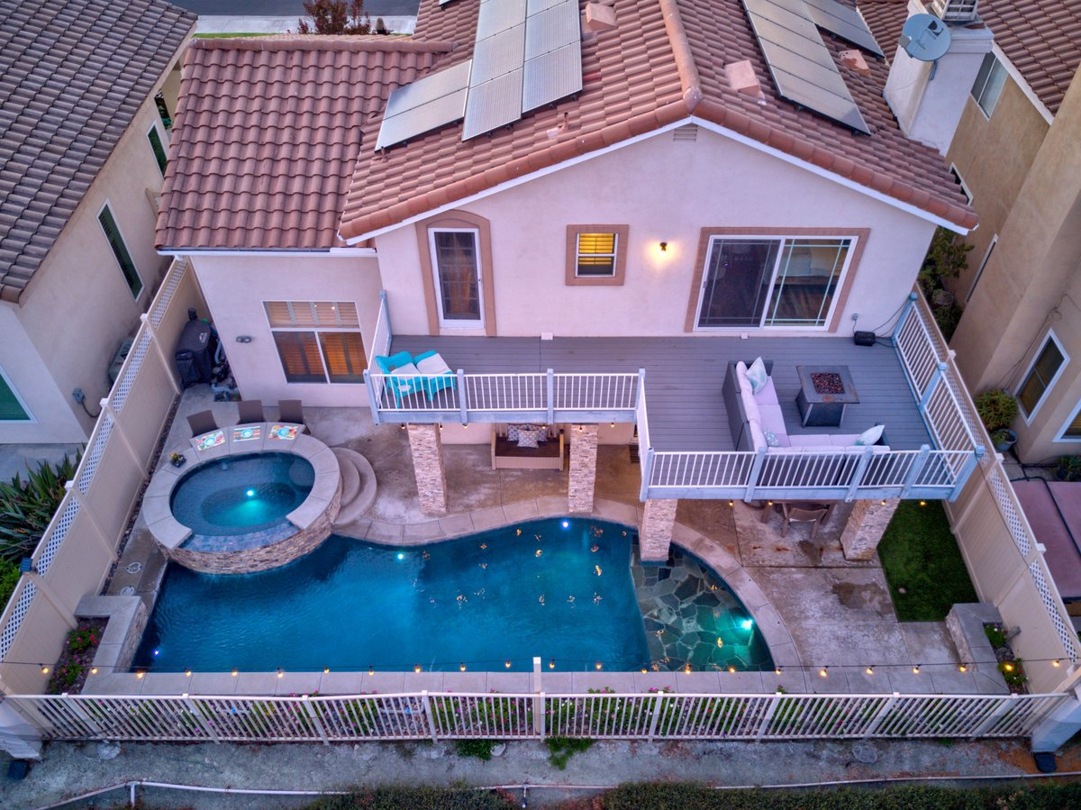 Do you have a smaller backyard? Not to worry! 🙌  . #premierpools #premierpoolsandspas #pools #poolside #swimmingpool #poolbuilder #summer #swim #vacation #spa #home #homesweethome #backyardoasis #landscape #backyard #backyard_dreams #backyardbliss #family #familytime