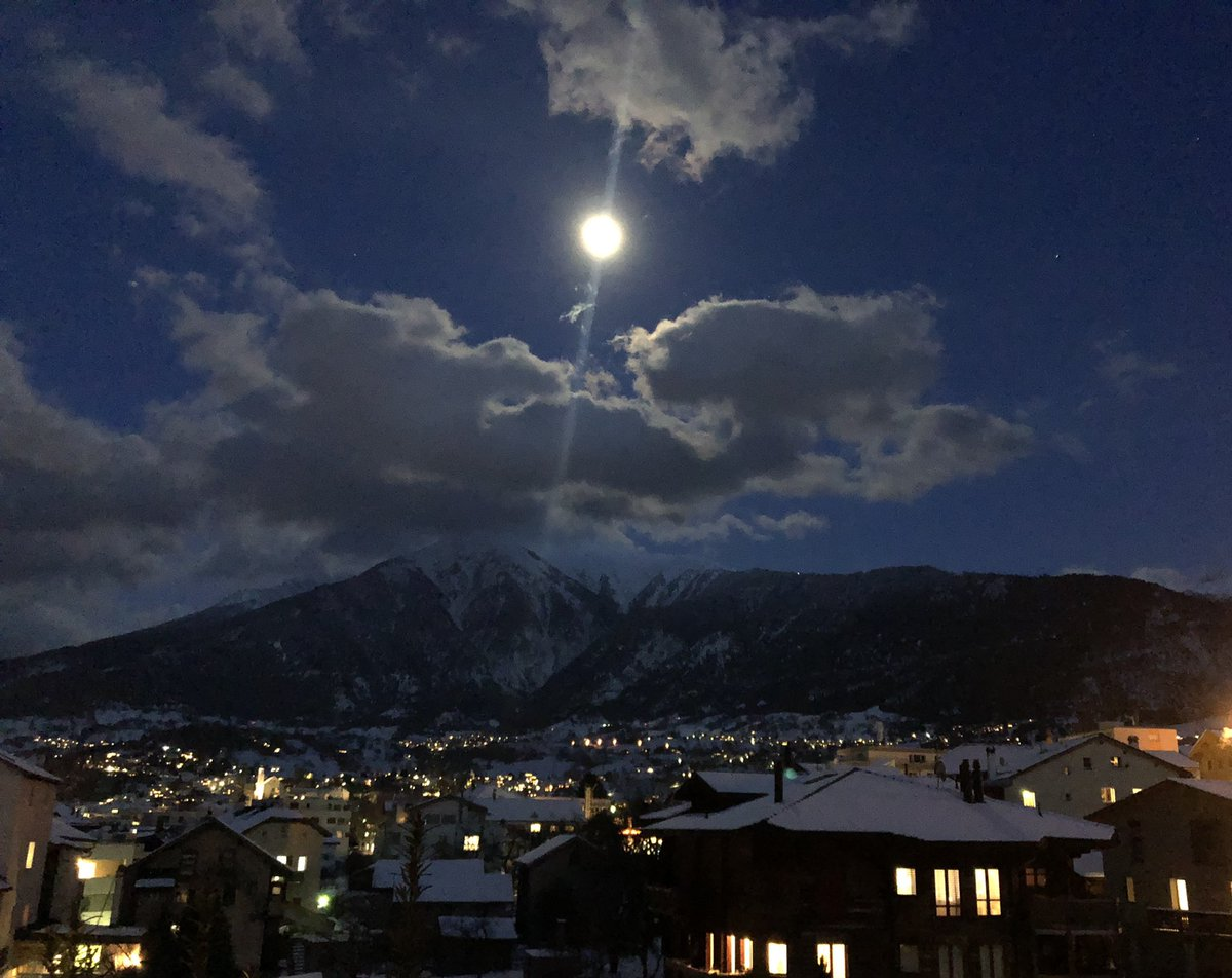 Einfach nur schön 💫💫💫💫💫 Unser #Himmel #Moon #Clouds #Sky #nightinthewoods #Dreams