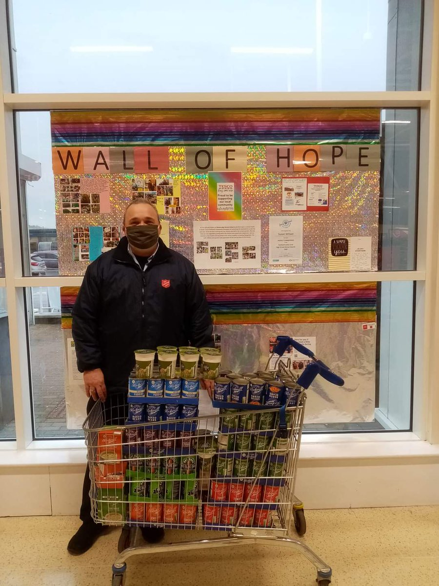 #tescoparkhead food donations to Parkhead Salvation Army for their soup kitchen and foodbank. @Storeview @HoolitDirectory @CityLife