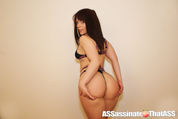 1 pic. Great working with the #seXXXy @kiaraedwardsxxo   #StayTuned and see Jay Assassin pound the FUCK