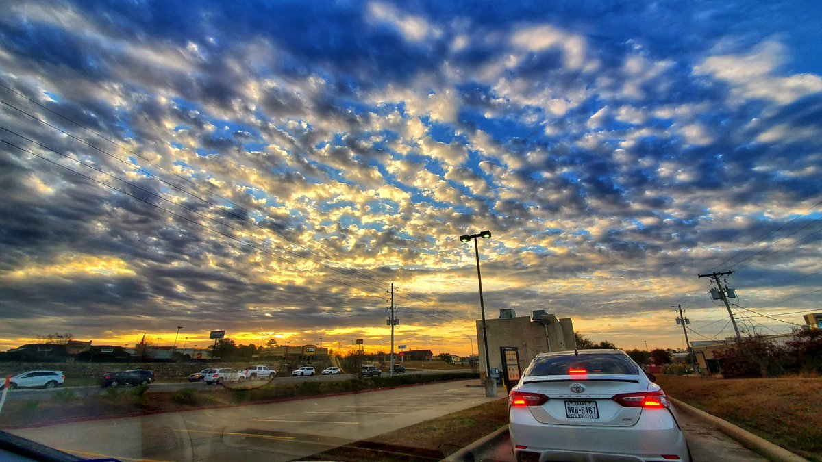 and the new day begins @Starbucks #GalaxyNote10Plus @SamsungMobileUS #WithGalaxy #weather #photography #mobile #life #earth #beautiful #Texas 🇨🇱