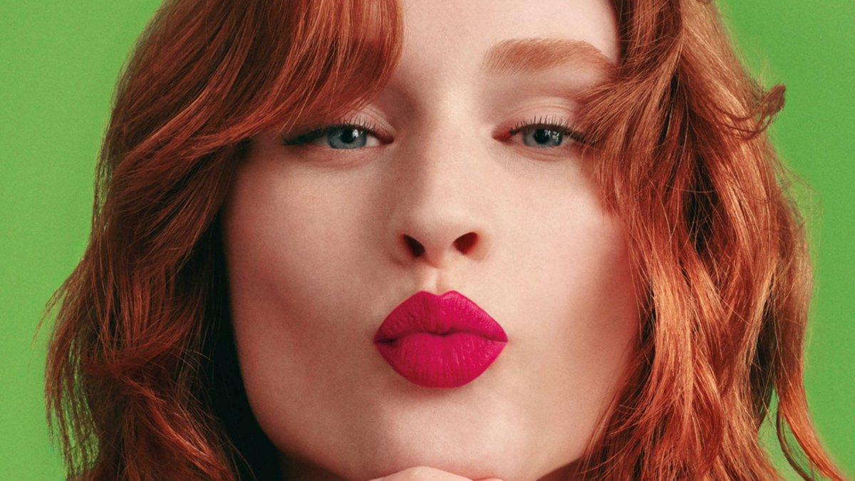 💄Si quieres ver las propuestas de labiales que te traemos, ¡pincha en el enlace! Que tus labios vuelvan a ser protagonistas, pero sobre todo, que lo vuelva a ser tu sonrisa.👄 https://t.co/lKRA8UfTEA   #labios #lipstick #maquillaje #makeup #labial #beauty #belleza #bellezaactiva https://t.co/iKtPndoJ8o