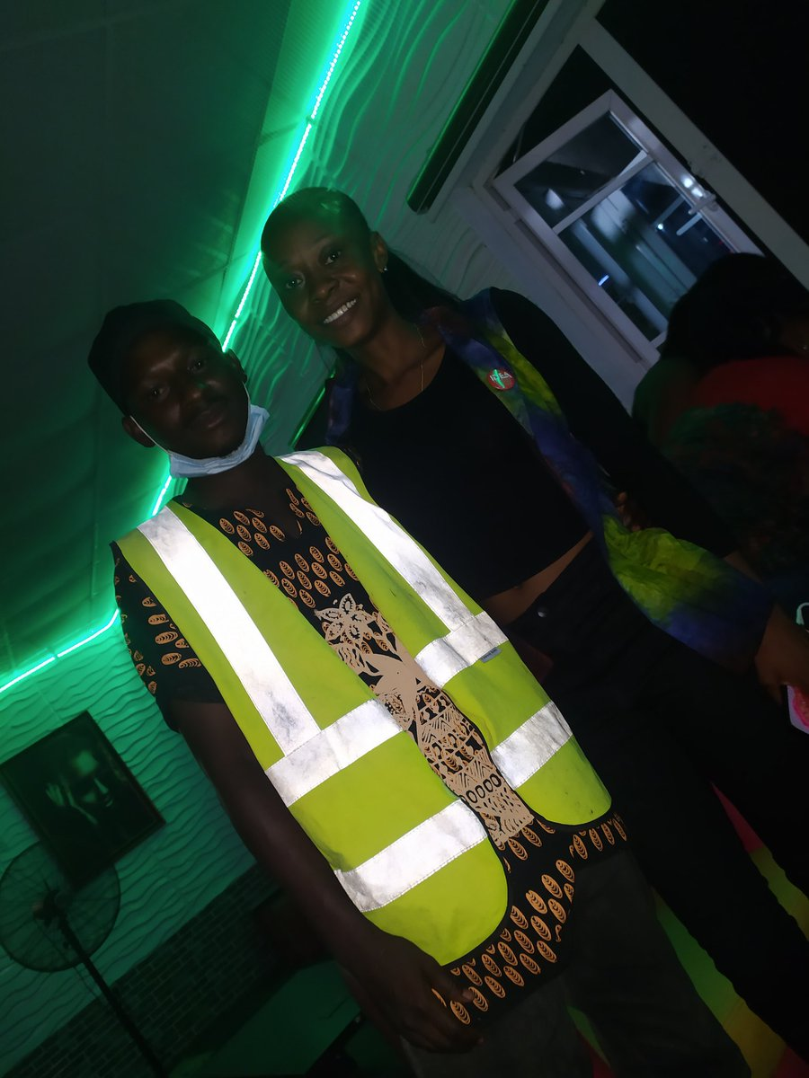 Despite my busy schedule, I still had to honour the Birthday girl @Ninihorla and one of the Best emerging young Entrepreneur in Osun, The CEO of @IdeaTextile. I bid you many happy returns of the day. Congratulations dear. https://t.co/uWEJsTIXYV
