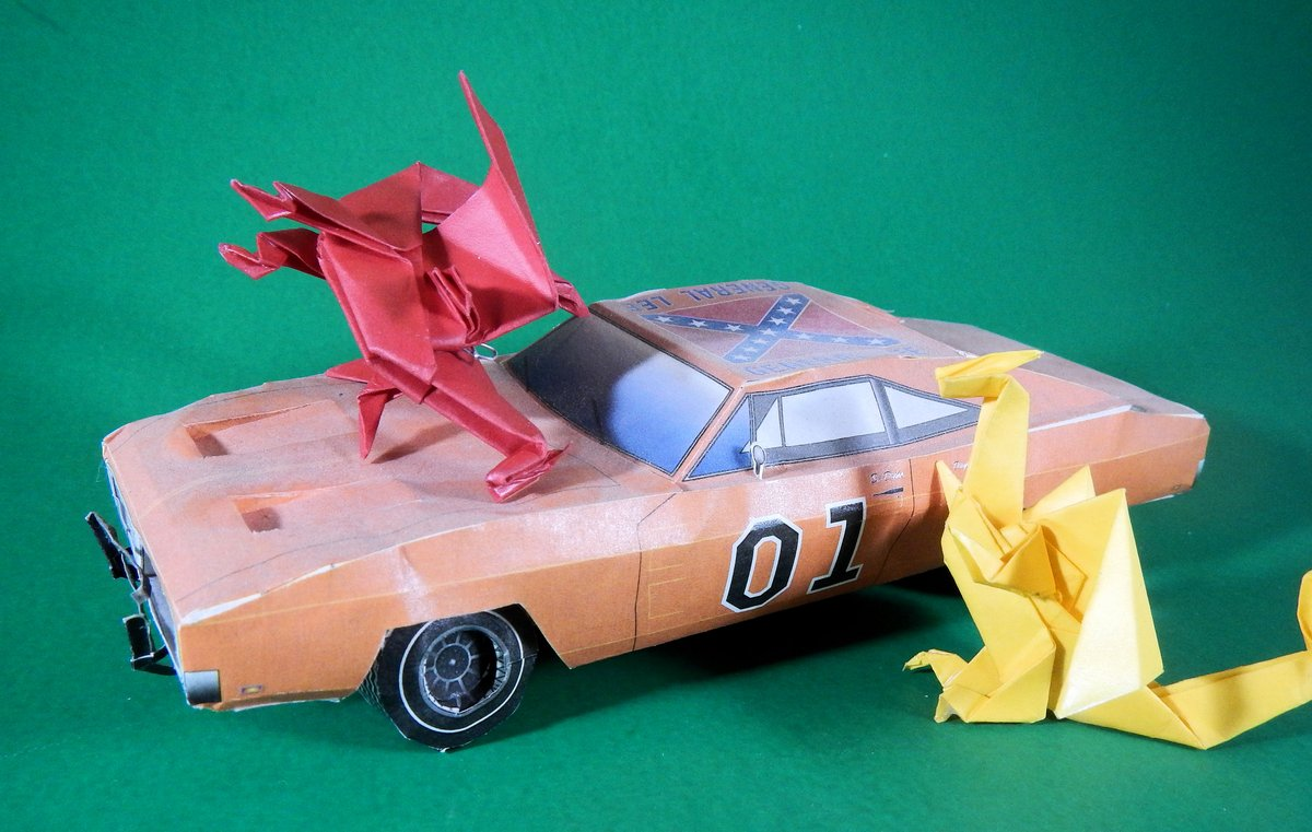 Happy #DukesOfHazzard Day! The original #GoodOlBoys premiered #OTD in 1979. ...I've got a lot of fond #memories of this show, though it's hard to excuse the #Problematic #GeneralLee's symbolism now. Some things are better left in the past!