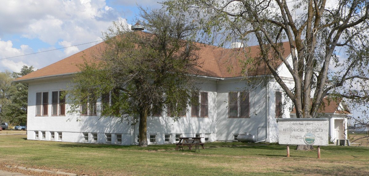 Today in #Nebraska History -  In 1916, Keya Paha High School opened in Springview and is an architectural example of a county school created for wide spread children in a region. In 1965 the school was closed and is now the Keya Paha County Historical Museum. #OTD @K_P_Schools