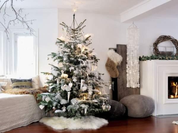 Decorating: How to Make Scandinavian Style Curl Ornaments     #christmastime #christmas #christmastree #merrychristmas #christmasdecor #xmas #christmaslights #christmasiscoming #winter #christmasdecorations #christmasmood #santaclaus #christmasspirit #snow