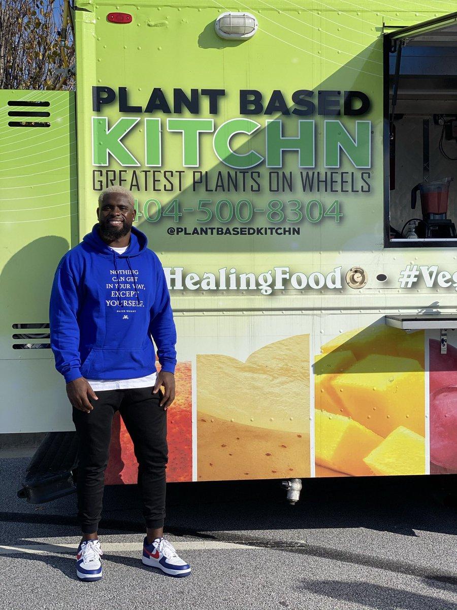 The hottest plants on wheels @plantbasedkitchn #blackauthor #bestseller #hardwork #dedication #believeinyourself #major #majorpain