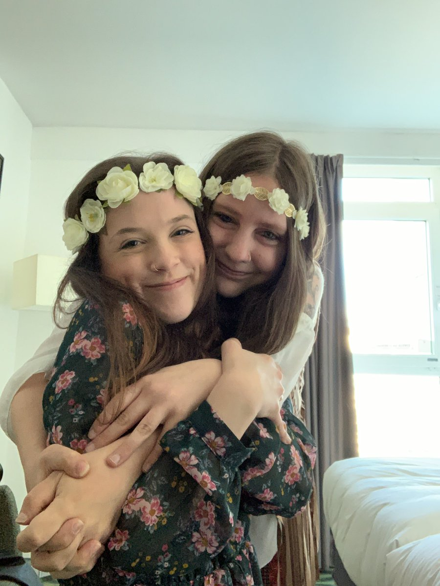 Almost two years ago...my hair has changed a lot 😂  But most importantly I miss hugs! I miss hugs sooooo much...I really want a big ass hug from my best friend right now 🥺  #friends #hug #hair #flowers