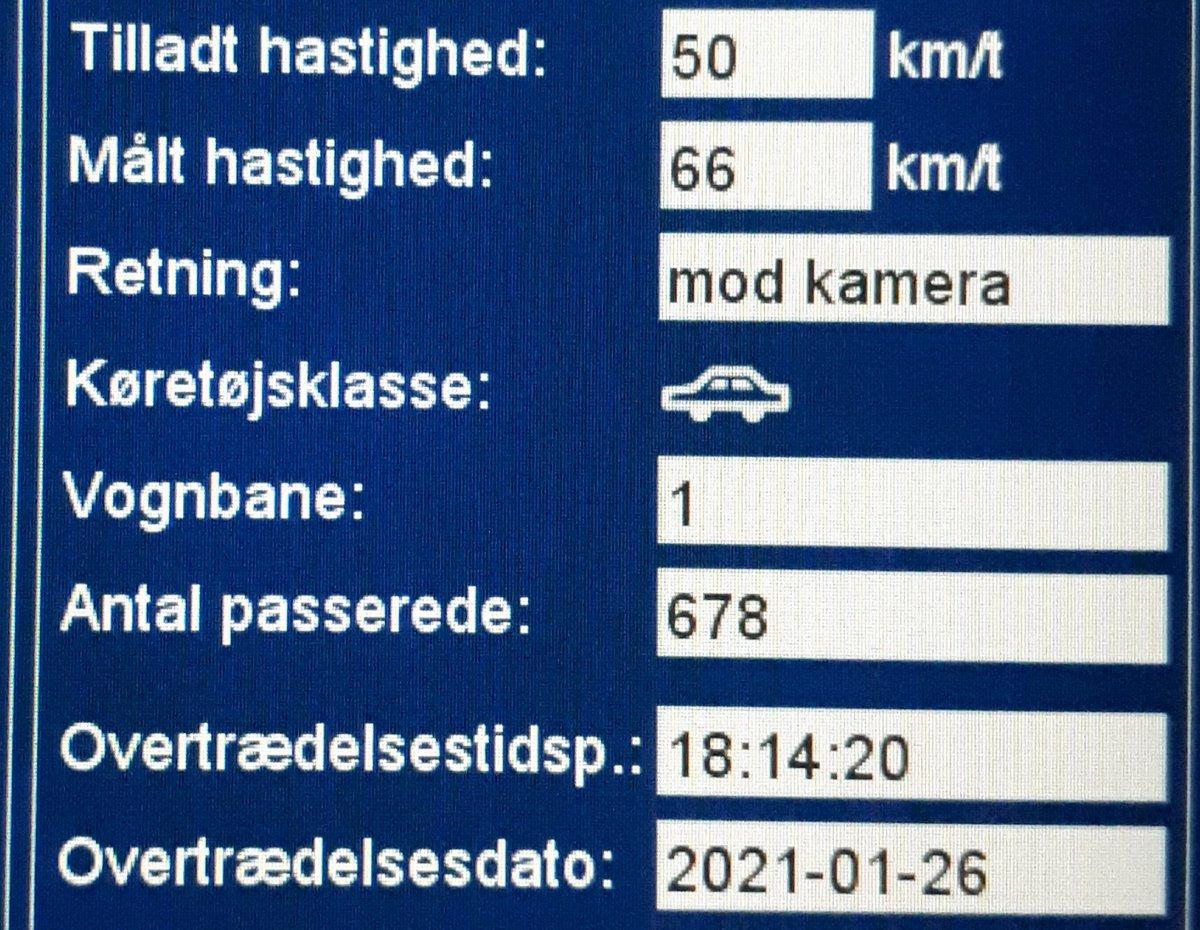 Landsdækkende færdselsindsats i denne uge, i aften på Tøndervej ved Skærbæk i Tønder kommune. Heldigvis kørte langt de fleste pænt og efter forholdene forbi ATK vognen, kun 5 mindre sager. Tak til alle andre for at passe godt på hinanden i trafikken #atkdk #politidk https://t.co/yzfZtoD3lG