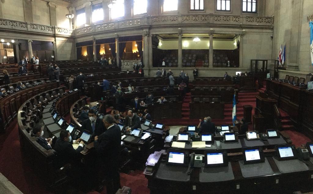 test Twitter Media - A esta hora el tablero marca la presencia de 101 diputados en el hemiciclo, sin embargo, la Junta Directiva del Congreso no da inicio a la sesión plenaria que estaba programada a las 2:00 pm.📸: José Orozco/LH https://t.co/6lSLmfD3l9