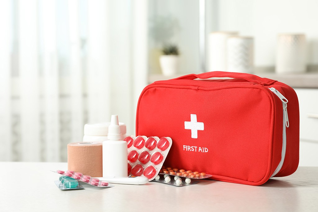 Use this guide to create a first-aid kit that meets your family's needs. #homeowners #safetytips