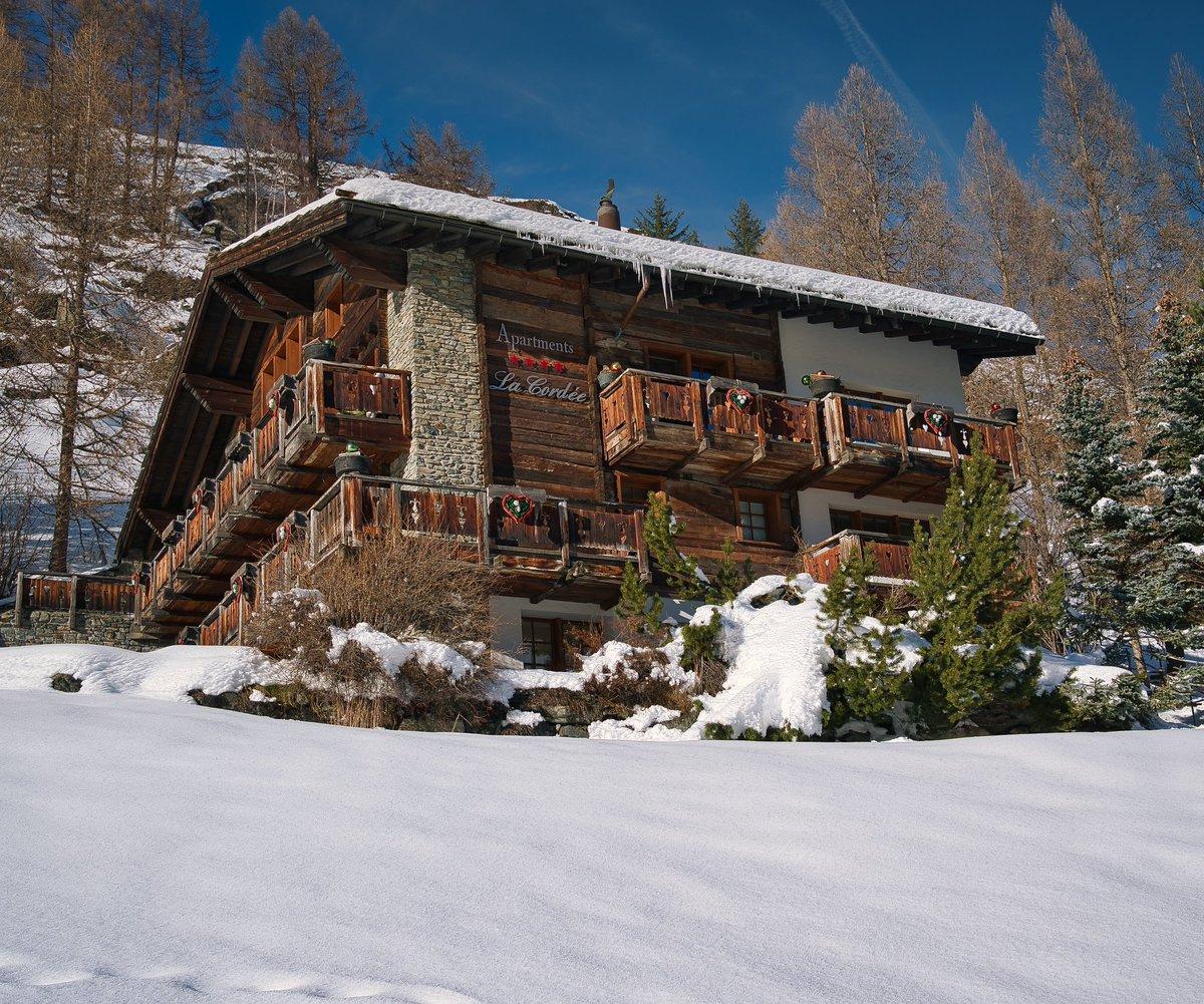 Zermatt, Swiss #zermatt #switzerland #matterhorn #mountains #swissalps #swiss #zermattmatterhorn #alps #zermattswitzerland #schweiz #snow #wallis #nature #myswitzerland #travel #ski #inlovewithswitzerland #mountain #suisse #visitswitzerland #gornergrat #winter #photography