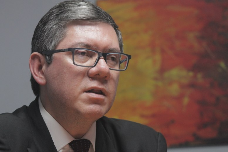 test Twitter Media - El presidente del CANG, Ovidio Orellana, no se ha pronunciado tras el amparo otorgado al Juez Mynor Moto para ser juramentado Magistrado de la CC. https://t.co/O6hFO1mHDP