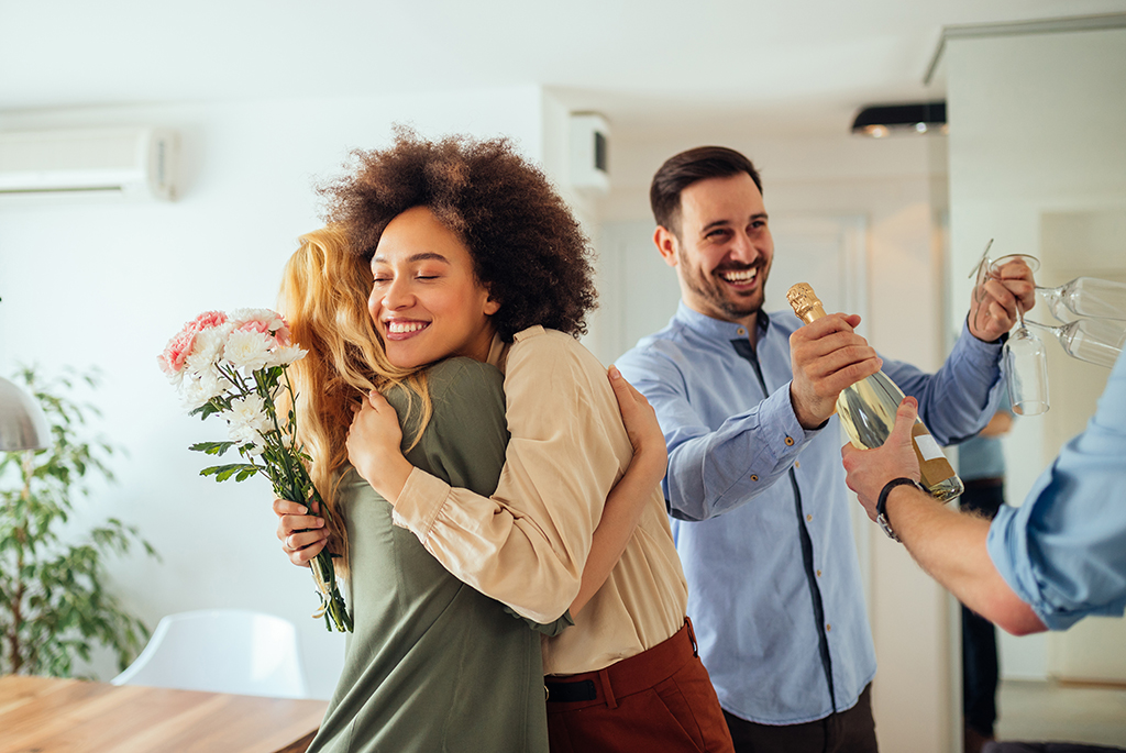 Here's a list of practical gifts to add to a #housewarming registry. #homeowners