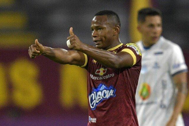 #YoEscuchoElVbarCaracol   ✍️⚽Principio de acuerdo para que Jaminton Campaz sea nuevo jugador de la MLS.  🇺🇸Charlotte FC y Columbus Crew en la 'puja' por el volante colombiano.  📻Sintonícenos de Lunes a viernes de 2 a 4 pm por @CaracolRadio